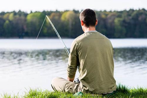 釣りをしている人